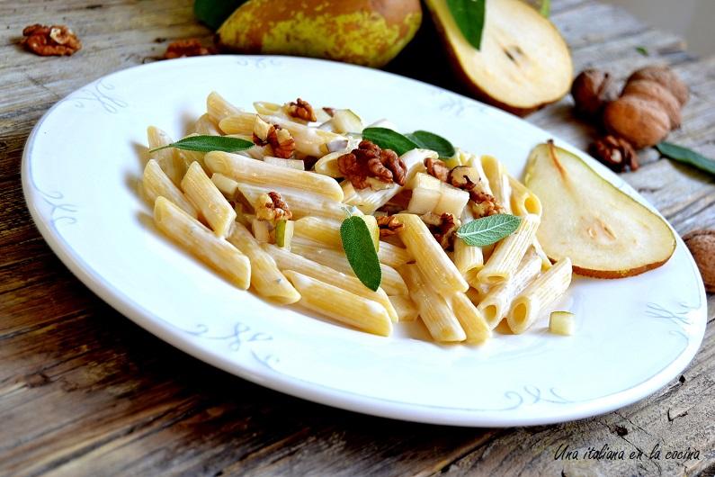Pasta con gorgonzola peras y nueces
