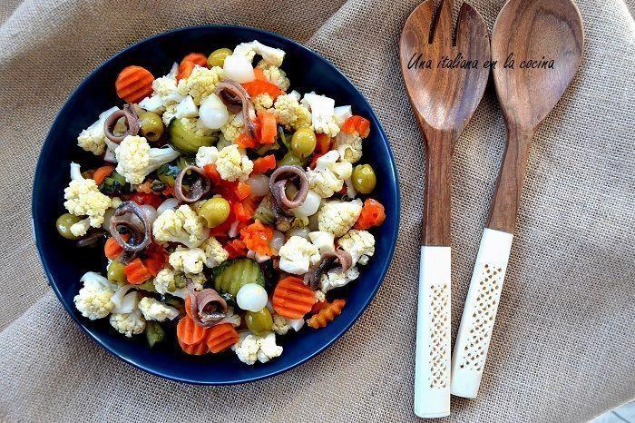 Ensalada de coliflor y verduras con toque agridulce