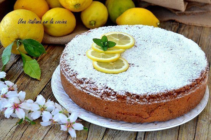 Tarta caprese de limón, bizcocho de limón sin gluten con chocolate blanco y almendras