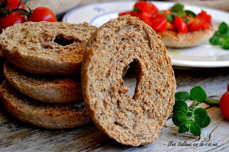 Frisella, pan tostado del sur de Italia